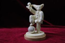 Скульптура Клоун 3, Материал рог лося.jpg