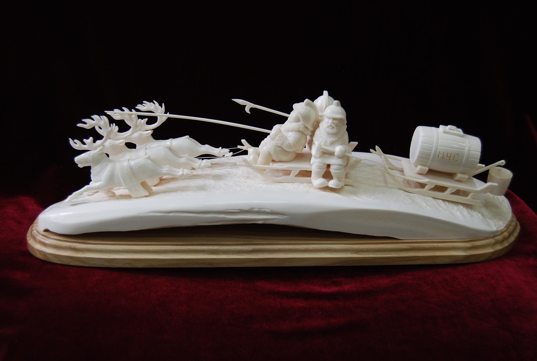 Скульптура Пожарники на оленях, Материал  рог лося, цевка.jpg