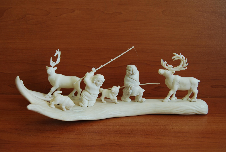 Скульптура На рыбалке ув. Материал цевка, олений рог.jpg