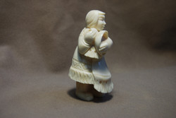 Скульптура Хозяйка, Материал рог лося.jpg