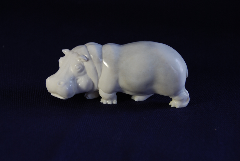 Скульптура          Бегемот,       Материал   рог лося.jpg