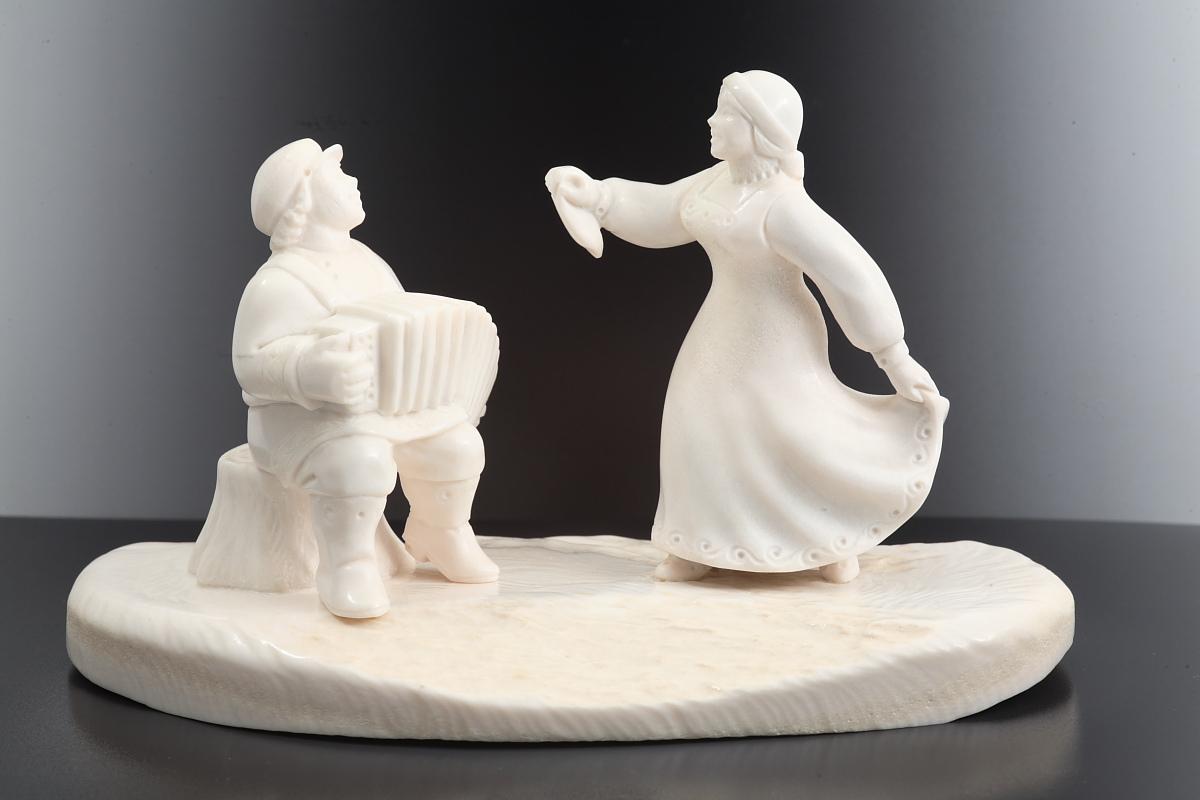 Скульптура На солнечной поляночке, Материал рог лося.jpg
