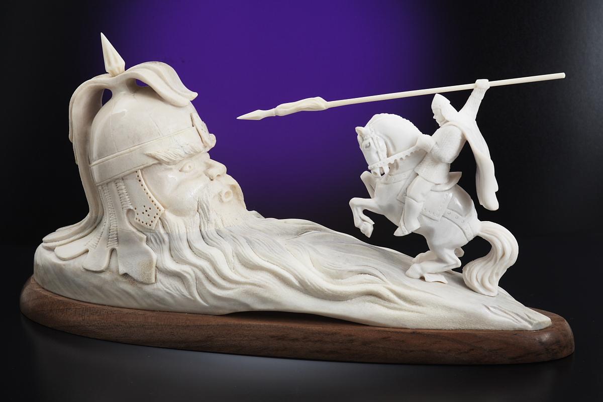 Скульптура     Бой Руслана с головой,       Материал рог лося.JPG