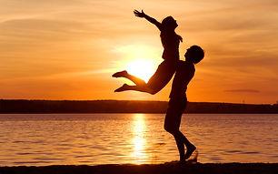 love-man-woman-silhouette-sun-sunset-sea