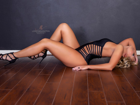 ALREADY HAVE A (not so great) BOUDOIR SHOOT? - IT IS TIME TO GIVE IT ANOTHER SHOT!