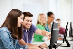 Estudiantes buscando trabajo