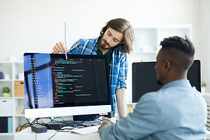 coders-discussing-programming-language-C