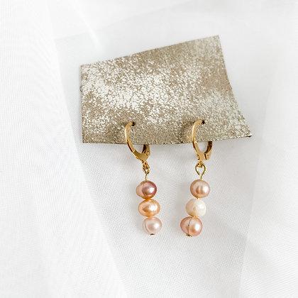 Blush Pearl Huggies