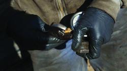 closeup hands-04