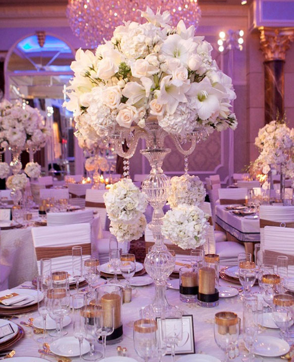 Luxury-white-formal-wedding-flower-cente