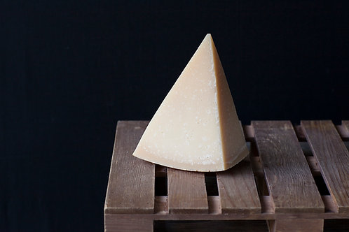 CHEESE Parmigiano Reggiano 200g
