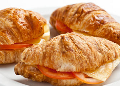 Cheese and Tomato Croissant (V)