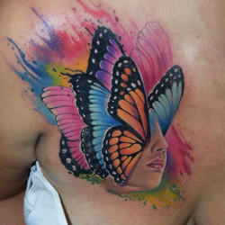 Tatuaje en _inkedtattooshop _WhatsApp 3173775667_Productos _mundoskink __colombiaink_Con maquinas #P