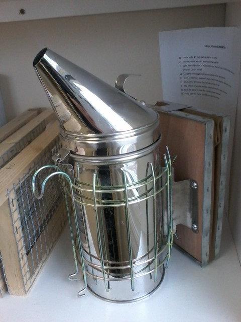 Bee Hive Smoker Stainless Steel w/Heat Shield