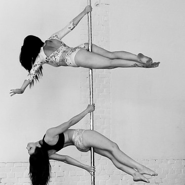 Pole Double - Susanne und Stephanie