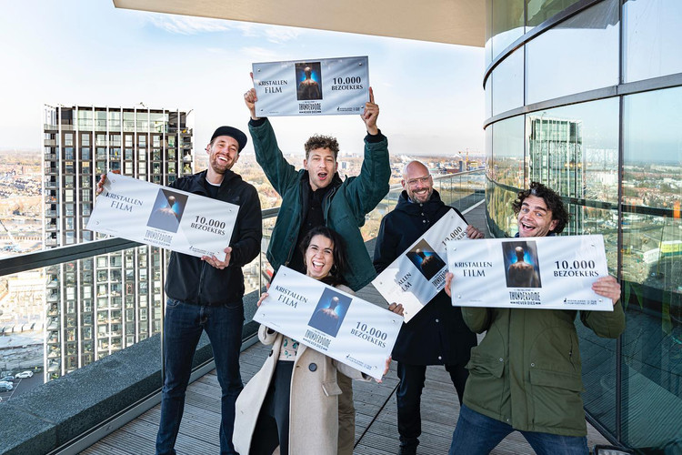 Thunderdome Never dies received a 'Kristallen Film' award for 10.000 visitors in cinema. It was the best viewed documentary of 2019 in Holland.