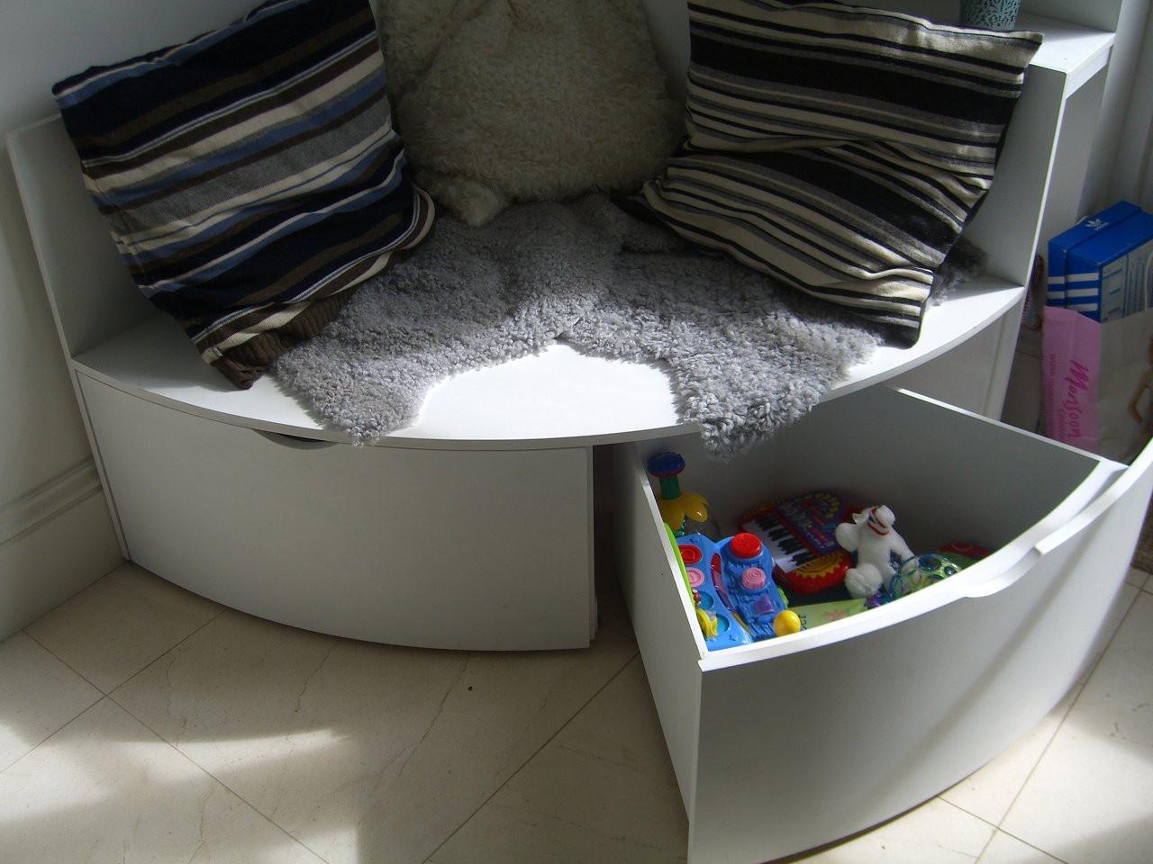Curved Corner Storage Unit/Seat