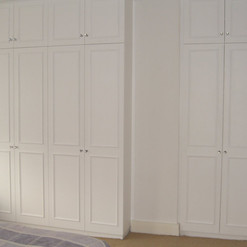 4 + 2 Column Beaded Door Wardrobes