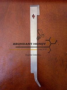 Apicultura en Colombia palanca tipo J ABUNDAANT HONEY GROUP apicultura Bogotá Colombia