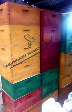 Material e mplementos apicultura ABUNDANT HONEY GROUP.jpg