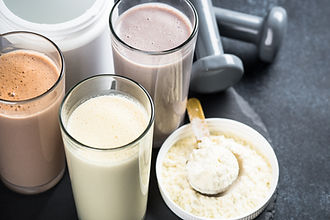 protein-cocktails-in-glasses-sport-nutri