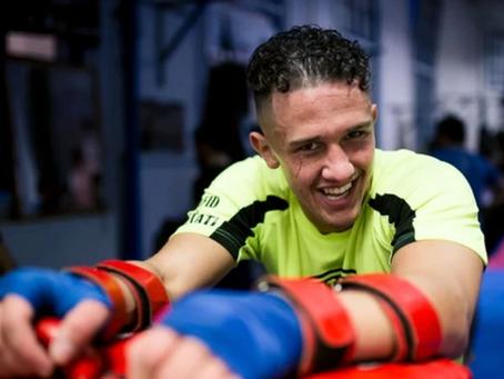 VICE: Hoe opkomend kickbokser Redouan Laarkoubi zijn geld verdient