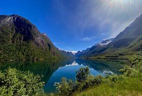 Briksdalsbreen innerst i fjorden - Olden Adventure