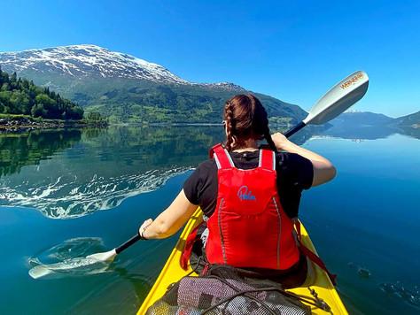 Kajakkpadling i Nordfjord - helt magisk!
