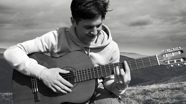 robin-fontaine-guitare-web.jpg