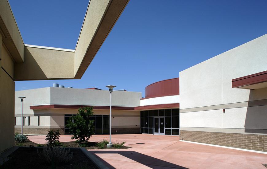 LaSierra Univ_05_upper court 2_sml.jpg