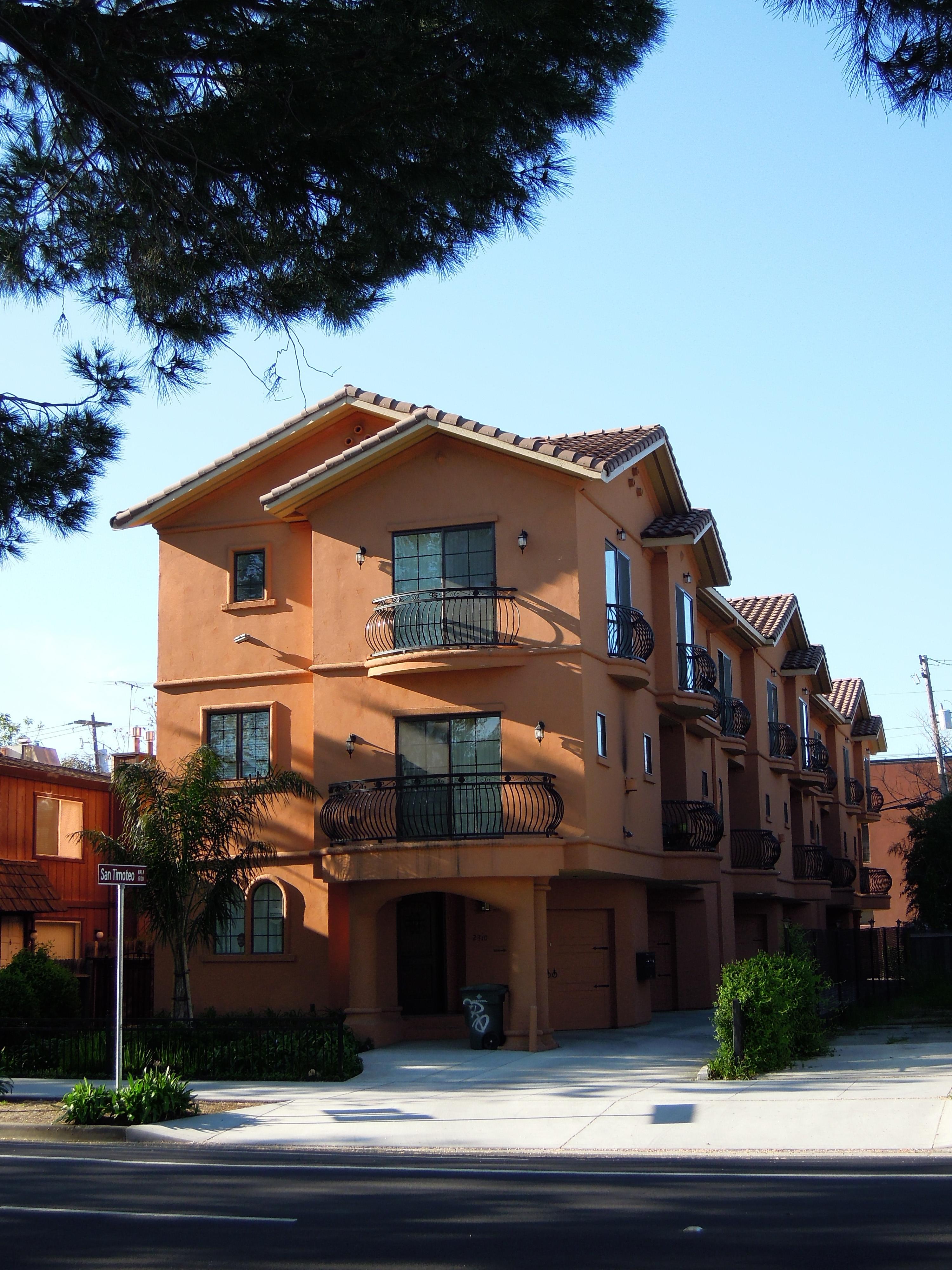 Q Street Villas