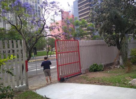 Os Bombeiros de Porto Alegre estão com NOVA ENTRADA para o prédio