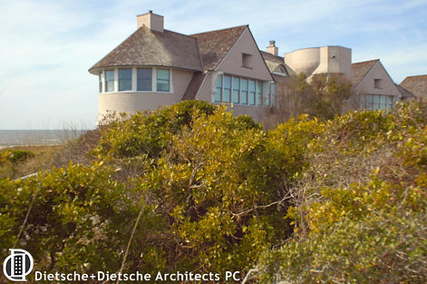 Whale Cottage was inspired by its setting and is an extension of the bluffs that surround it.