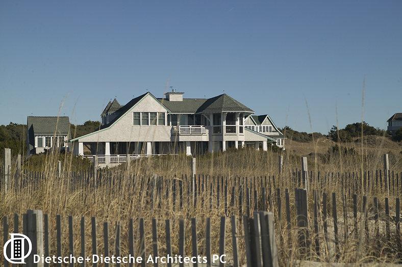 Beach front cottage Dietsche + Dietsche