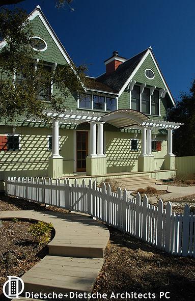 Victorian Trellis porch by Dietsche + Dietsche