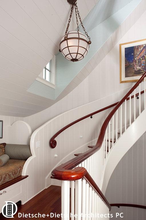 Double-helix circular staircase