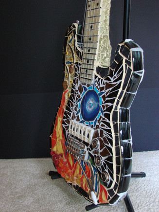 Guitar_MOF_side_R.jpg