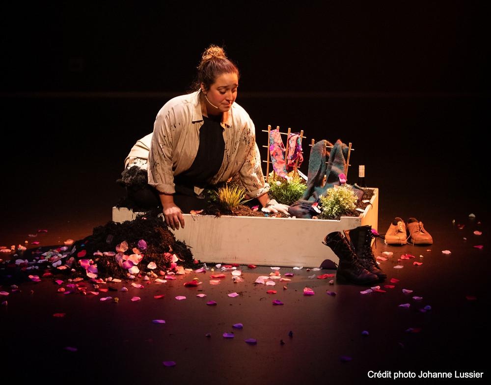 Jade Bruneau, Des Fleurs d'enfants pour grandes personnes, Crédit photo: Johanne Lussier
