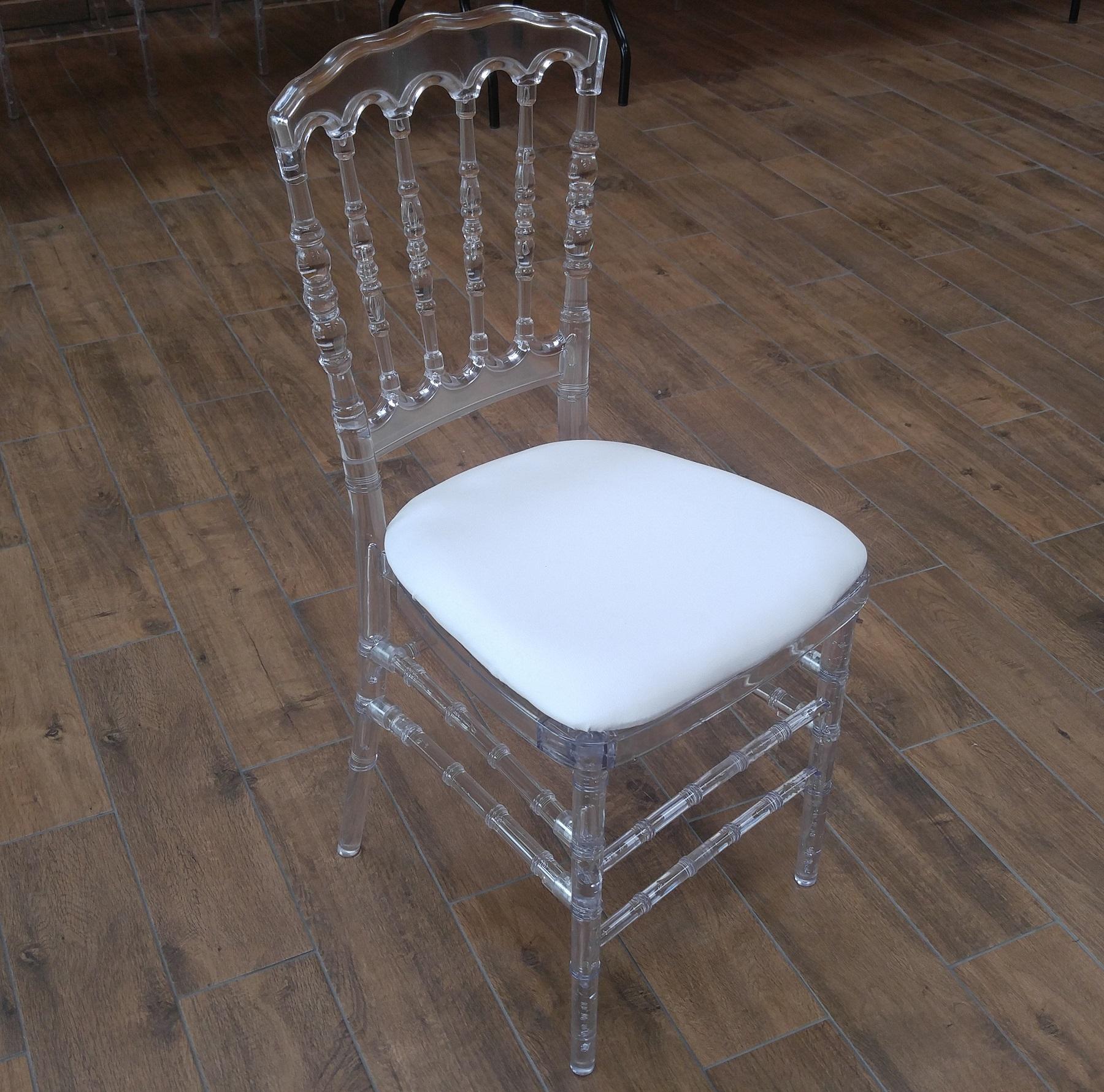 Chaise Napoléon design transparente