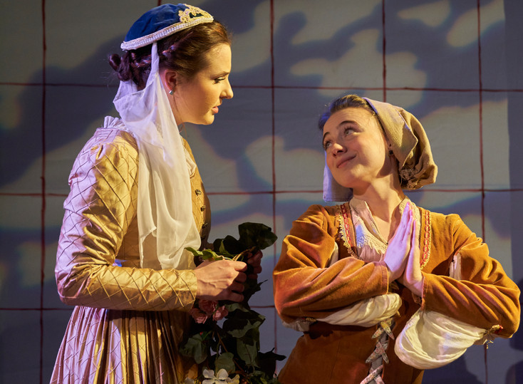 Heather Olsen as Sybil