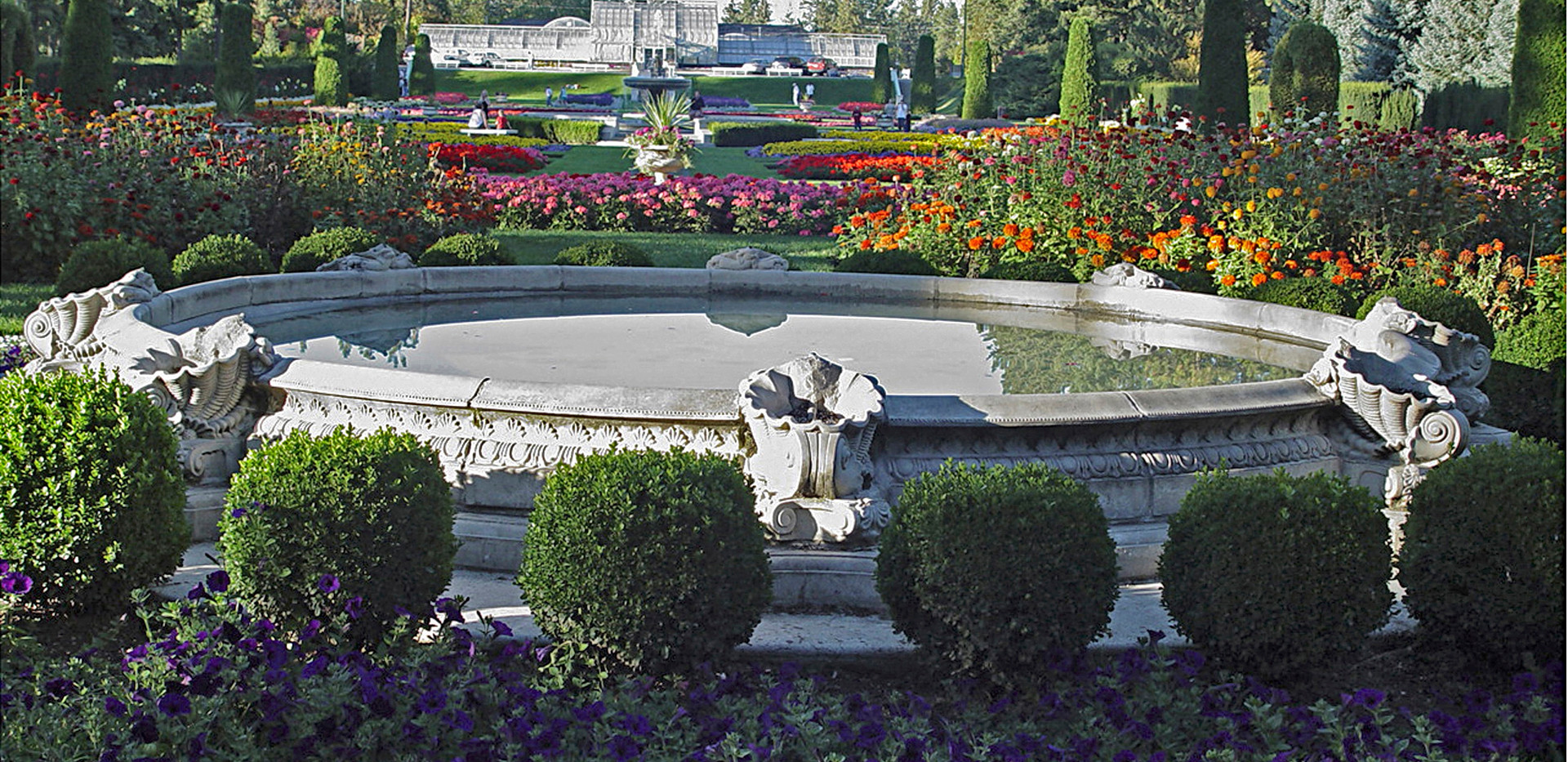 Duncan Garden - Carolyn Starner Photo.jpg
