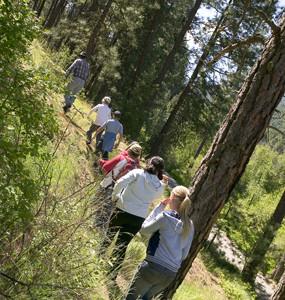 kids on Lib Lk Trail.jpg