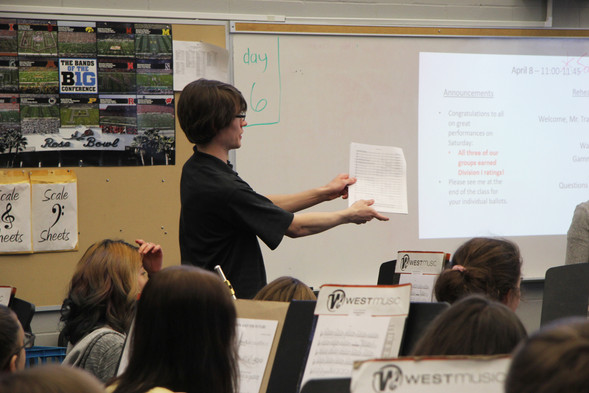 Tray shows the students at Linn-Mar High School something in the score in Gamma Decay