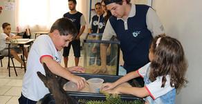 Projeto envolve a atividade do aquarismo no aprendizado das crianças