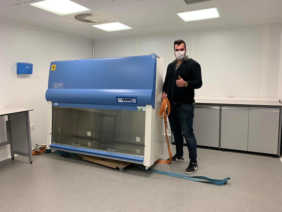 Laboratuvar Cihazı Taşıma
