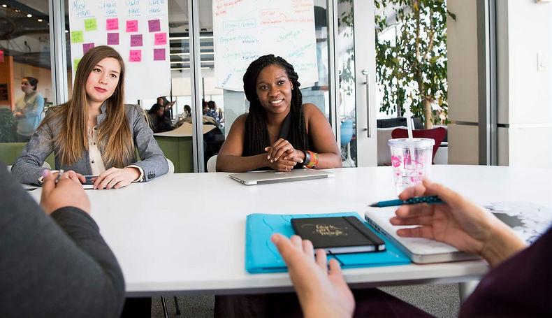 reunião_de_negocios_mulheres_edited.jpg