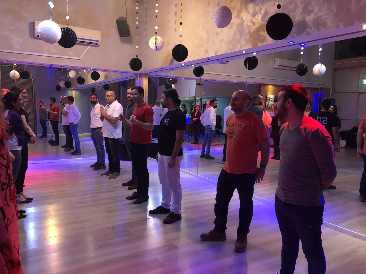 שיעור ריקוד לחברה