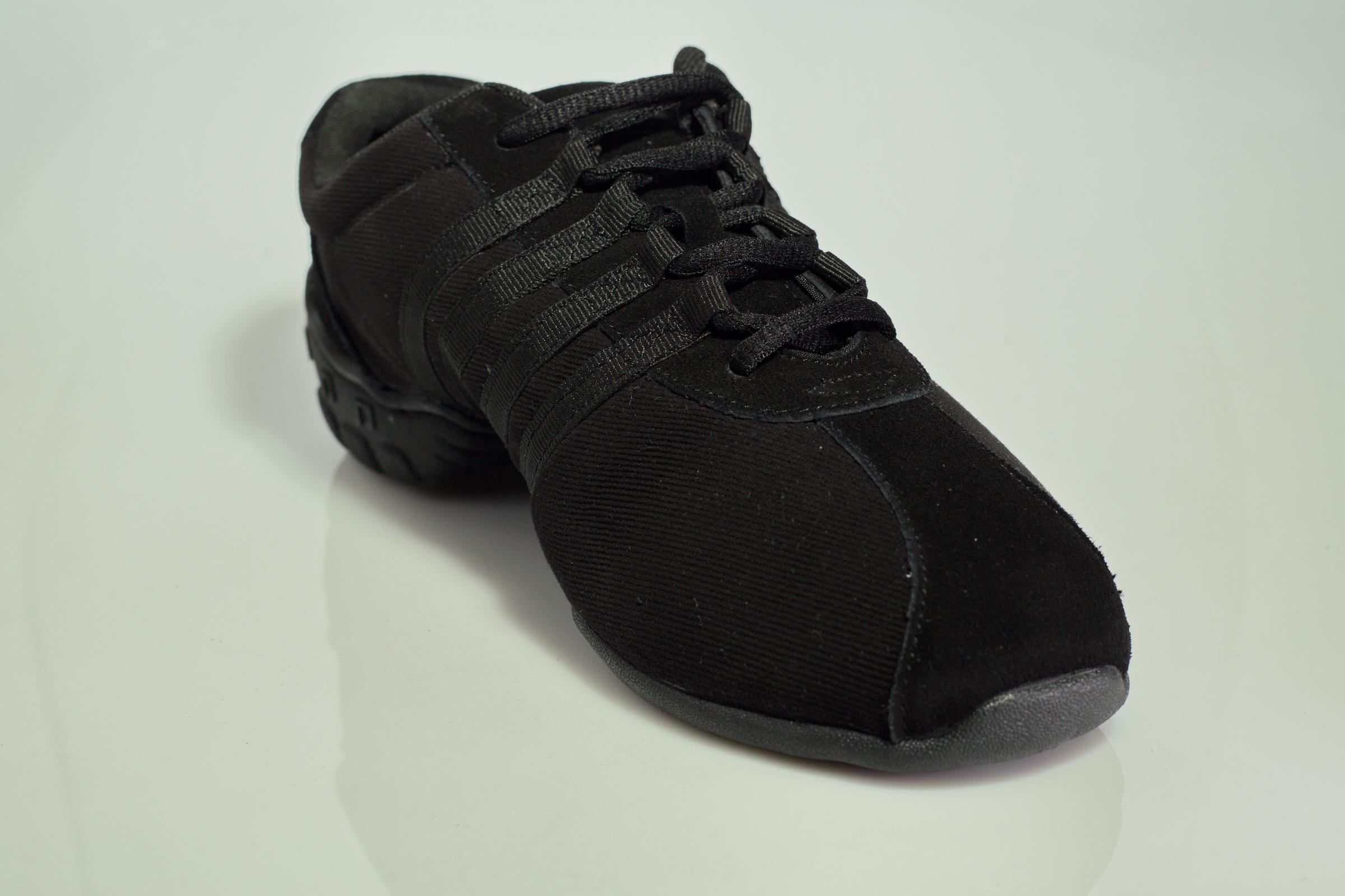 נעלי דאנס סניקרס