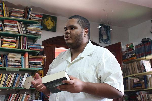 Wilton Bastos, jovem poeta Overtripiano.