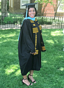 M.Ed. in Higher Education Administration | Vanderbilt University | IG: @dee_charm